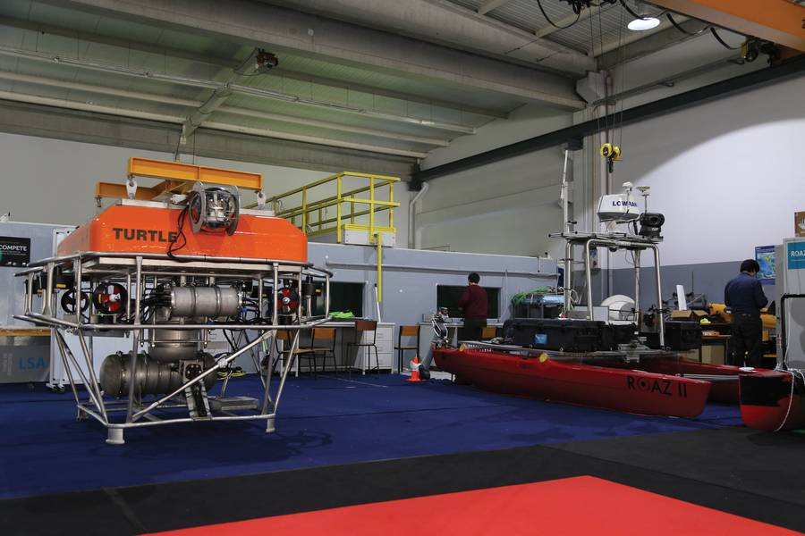 Добыча полезных ископаемых: платформа TURTLE от INESC TEC (в отсеке для оборудования и поднимается для обслуживания). Фото: INESC TEC