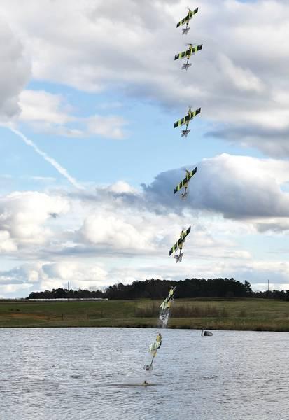 Замедленная съемка перехода EagleRay с моря на небо (кредит NCSU)