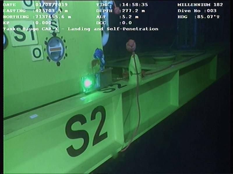 Модем LUMA использовался для передачи данных гироскопа через ROV на поверхность, чтобы помочь подводным операциям с краном. Фотография от Hydromea.
