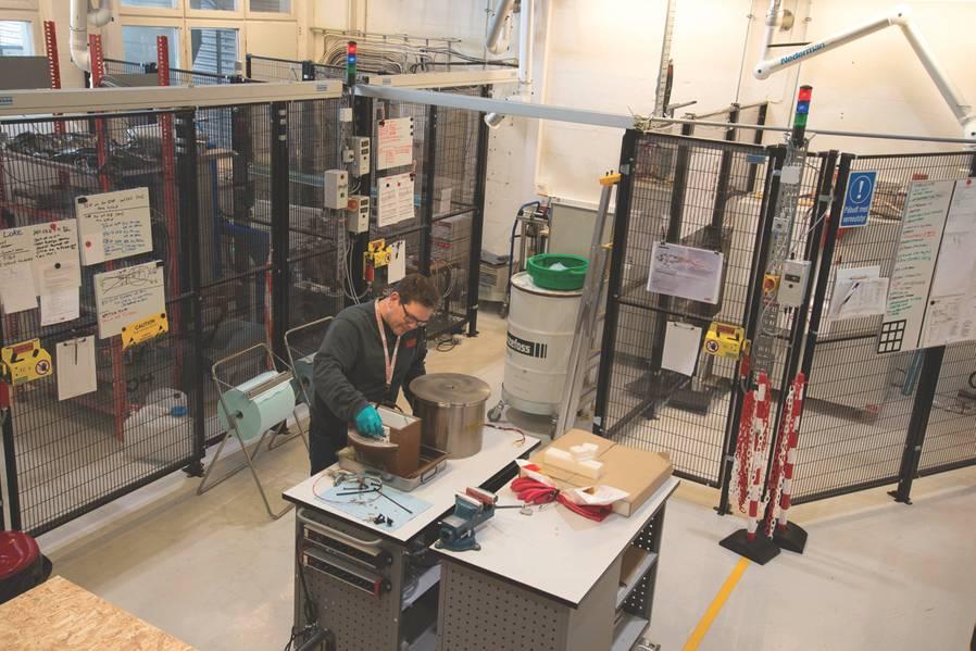 مختبر Subsea: تعمل شركة ABB على اختبار الطاقة الكهربائية لتدميرها في مختبرها في منطقة البحر الأحمر في أوسلو. (الصورة: ABB)