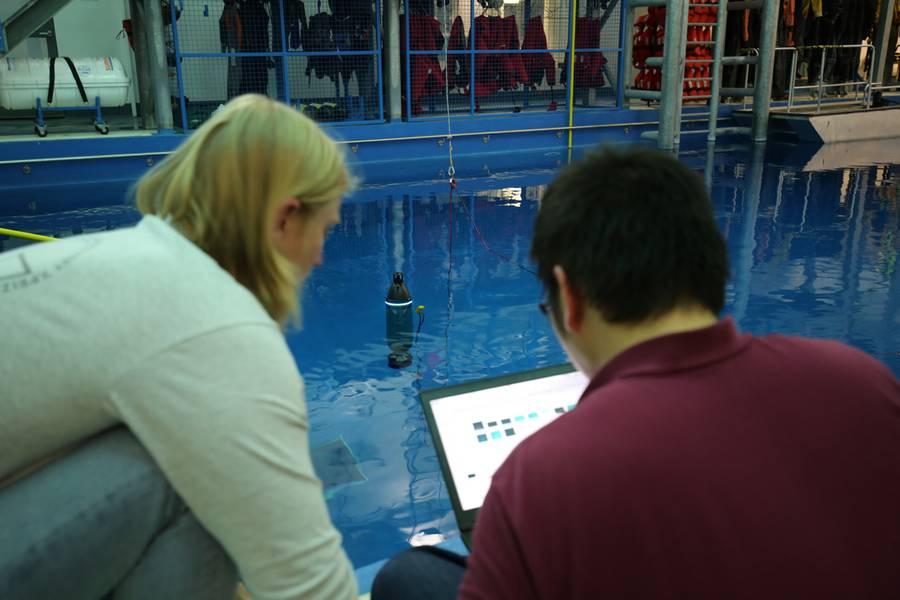 टीम ताओ गहरे समुद्र की खोज के लिए तेजी से सतह के लिए एक स्वायत्त झुंड प्रणाली विकसित कर रहा है। (फोटो: लुका वर्डुची)