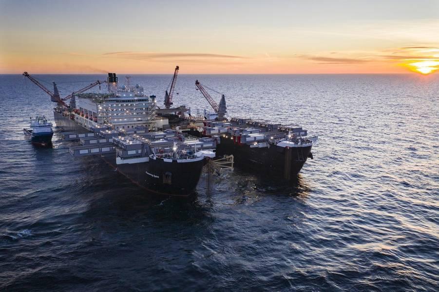 开拓精神在瑞典水域安装管道(照片:Nord Stream 2)