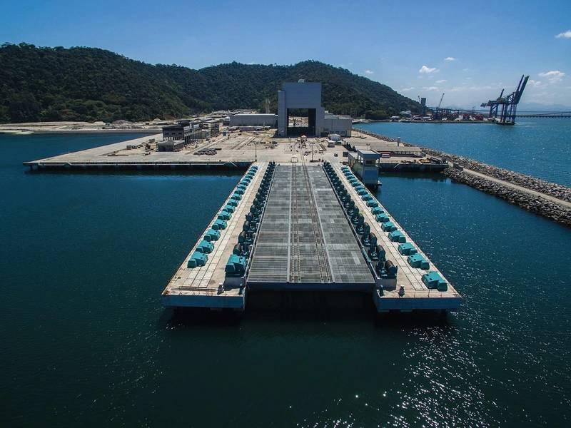 Astillero naval del CIE con ascensor submarino a la vanguardia. Imagen Marinha do Brasil