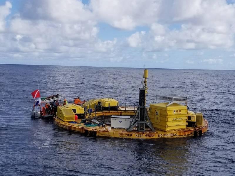 BOLT Lifesaver instalado @ WETS. Crédito de imagem - Pacific Marine Energy Center.