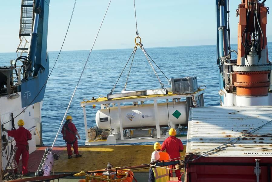 CO2-Versorgungstanks mussten speziell für die Belastungen der Nordsee ausgelegt werden. Bild: Copyright STEMM-CCS Projekt