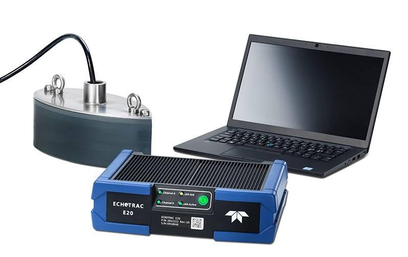 Echotrac E20 com laptop e transdutor (Imagem: Teledyne Marine)