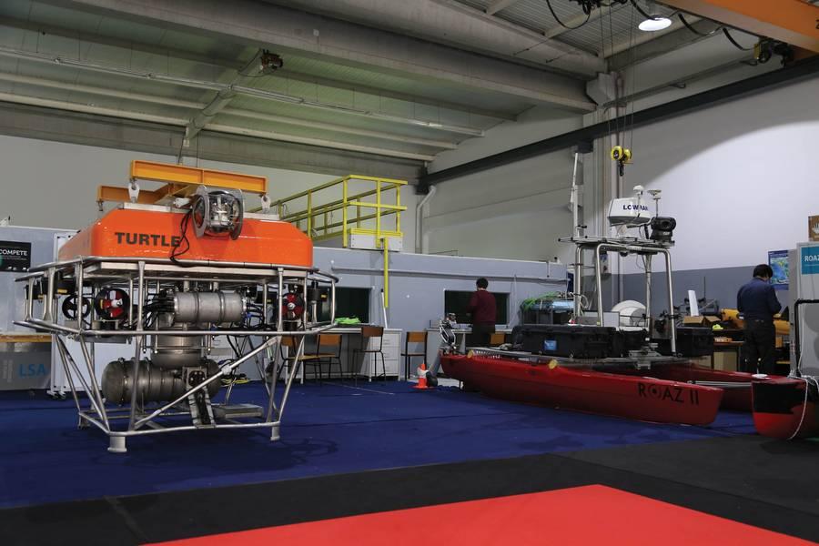 Enabler de mineração: Lander TURTLE do INESC TEC (em um compartimento de equipamentos e subindo para manutenção). Foto: INESC TEC