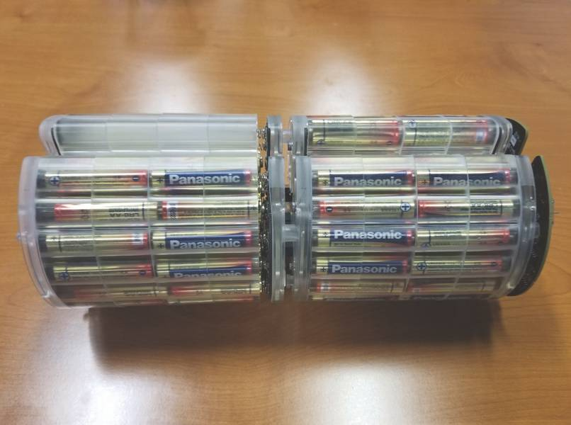 Figura 5: Un paquete de baterías alcalinas típico para un Micro-UUV (Foto: marea baja)