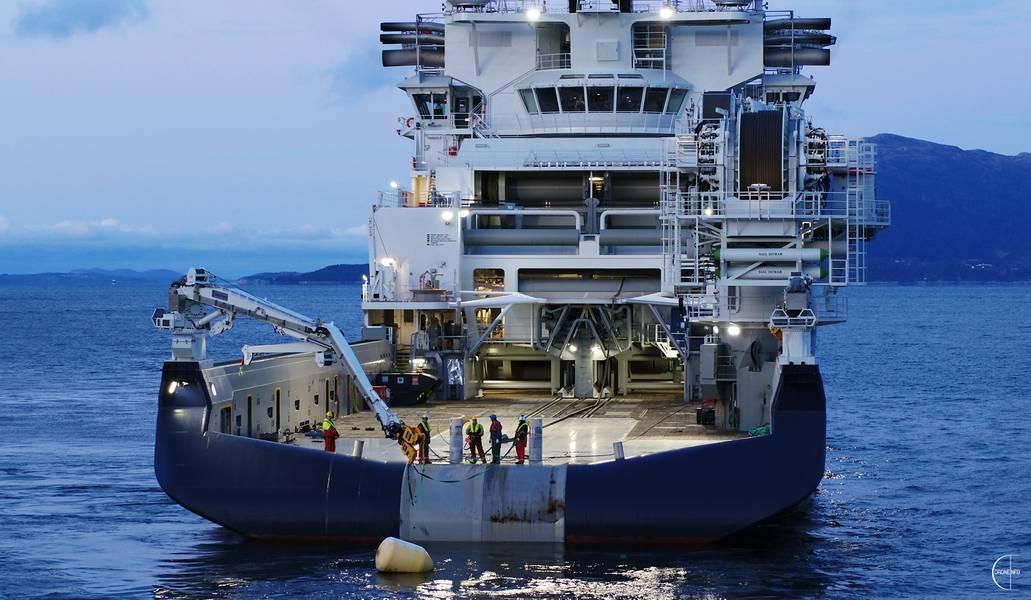 Island Offshore recibió hoy Island Victory, un nuevo buque de instalación en alta mar, en VARD Langsten. Foto: Isla Offshore / Droneinfo