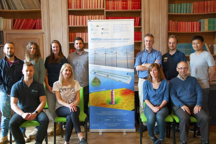 Am 4. Juni 2018 trafen sich Forscher bei HR Wallingford, um PROTEUS, ein neues EU-Hydralab + -Projekt, zu starten, das darauf abzielt, das Design von Kolkschutz um Offshore-Windkraftanlagen-Monopiles zu verbessern. (Foto: HR Wallingford)