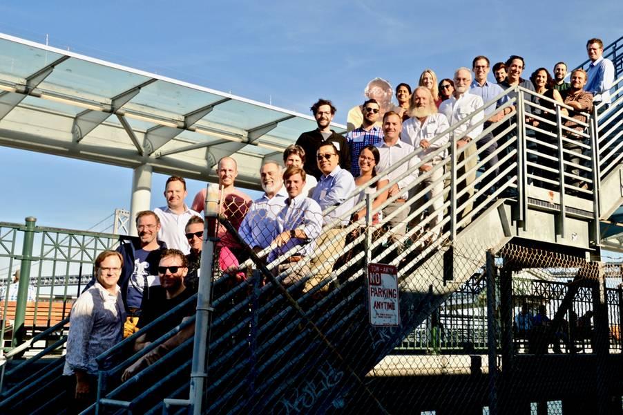 Los ganadores de SMTP posan para una excursión grupal cuando se conectan y comparten sus experiencias. Crédito: SMTP