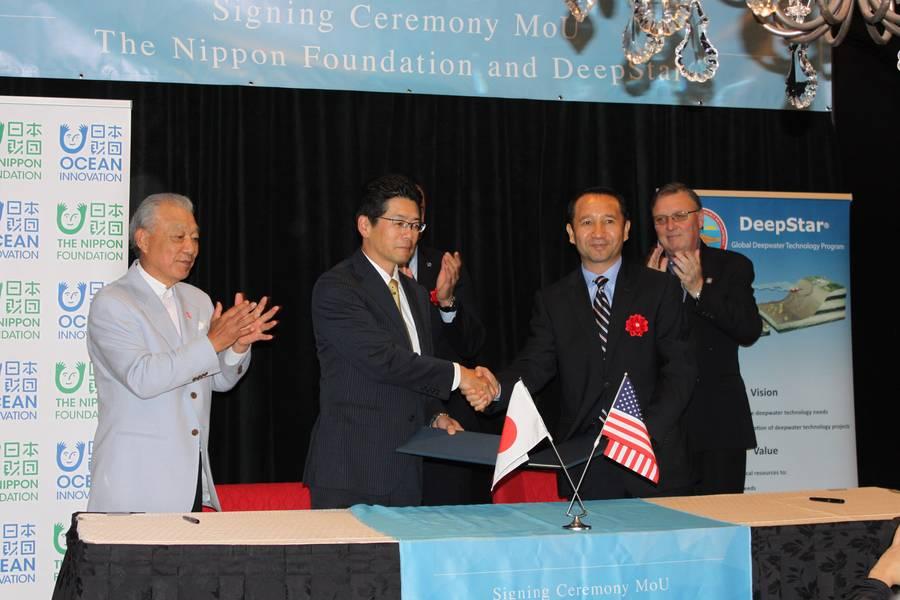 A Nippon Foundation e a Deepstar assinaram um memorando de entendimento em Houston. Foto: Greg Trauthwein