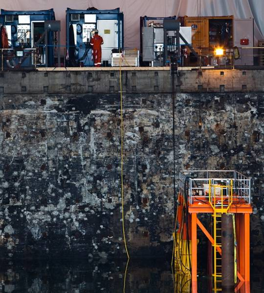 水下测试中心:在第二次世界大战中作为U型艇笔,现在是OceanTech的水下培训,测试和制造中心。信用:作者/ OceanTech