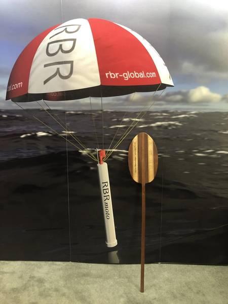 RBR принимал почетное весло OceanObs'19 на витрине. Фото: Джастин Мэнли