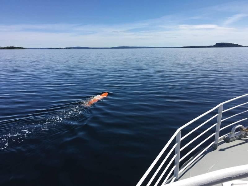 Supermesser: Ein Kongsberg Maritime HUGIN macht sich autonom auf den Weg zur See. Foto: Kongsberg Maritime