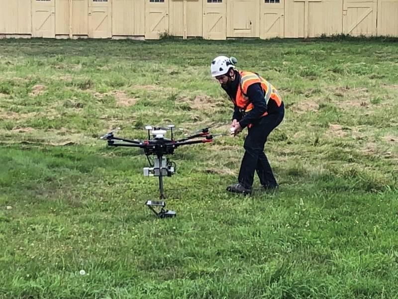 Una encuesta comercial de demostración de Hexacopter. (Crédito: J. Manley)
