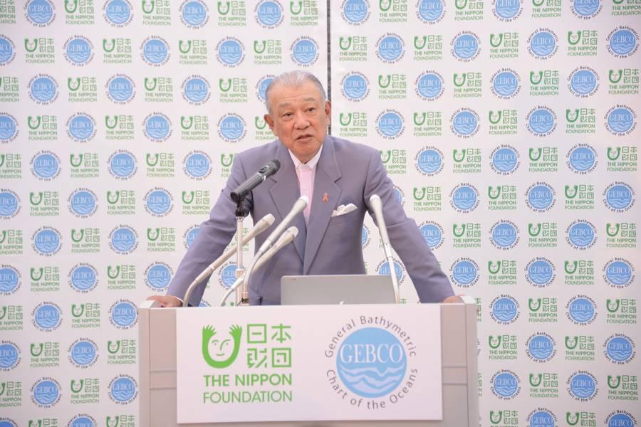 Yohei Sasakawa lança a fase operacional do projeto The Geipco Seabed 2030 da Fundação Nippon em Tóquio, em fevereiro de 2018. Foto: GEBCO Seabed 2030