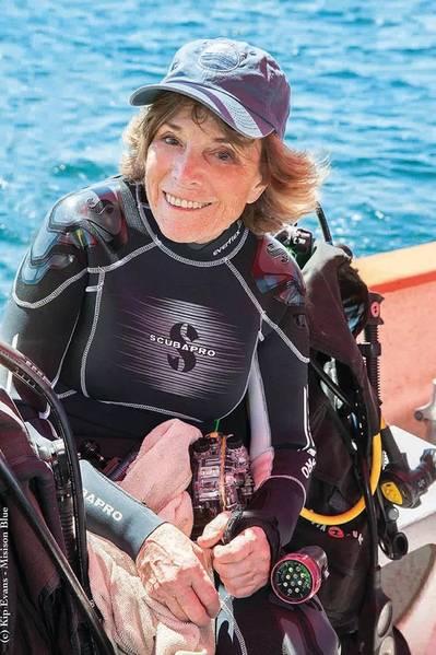 El número 6 es la Dra. Sylvia Earle. (Foto cortesía de Kip Evans)