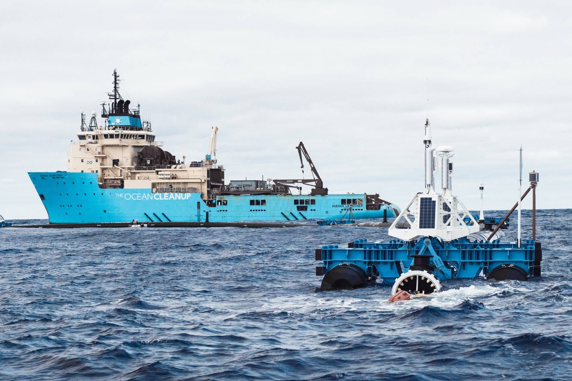 Device Cleaning Great Pacific Garbage Patch Breaks