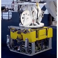 ROV deployment from the RV Petrel (Photo: 3U)