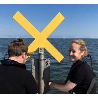 Installation of water level measuring station, Schleswig-Holstein Wadden Sea (Photo: MacArtney)