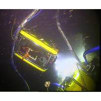 An ROV monitors the Moskito during oil recovery from the Thetis (Photo: MIko Marine)