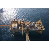 Offshore inspection for Dubai Petroleum. Photo: Cyberhawk