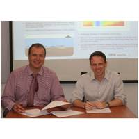 OFG's CEO, Matthew Kowalczyk, and SPS' CEO,Thomas Sjoberg, sign the agency agreement at Salcon Petroleum Services' office in Kuala Lumpur, Malaysia on April 27, 2016 (Photo: OFG)