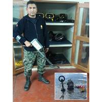 Peruvian Navy diver Fonseca with JW Fishers Pulse 8X metal detector, Inset: Pinellas County Sheriffs diver searches for weapons with Pulse 8X  (Photo: JW Fishers)
