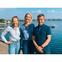 (Photographer:  Torunn Ludvigsen, DNV GL) – from left to right: Line Dahl (Veracity by DNV GL), Sandra Ness (Arctic Whale) and Jo Øvstaas (Veracity by DNV GL)