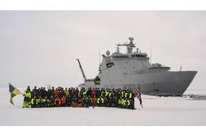 Norwegian Coast Guard vessel KV Svalbard and its crew at the North Pole: the ship is the first ABB Azipod powered craft to reach the Pole. (Photo: ABB)