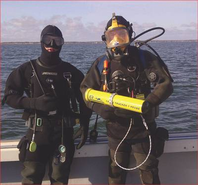 Divers & CT-1 Cable Tracker: Photo credit JW Fishers