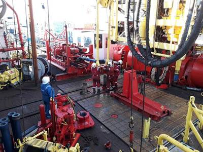 Drillers working on the rig floor of IODP Expedition 372. © Phil Barnes, NIWA