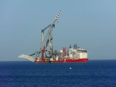 Illustration: A Subsea 7 vessel - Image by SV1XV, Ipernity - Shared under CC BY 3.0 license
