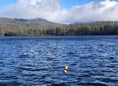L3Harris Iver3 AUV operating live during the 2021 Winterfest at Lake Saint Clair in Tasmania, Australia. Image courtesy L3Harris
