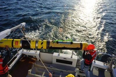 The U.S. Navy's REMUS 600 AUV is fitted with Kraken's AquaPix MINSAS Synthetic Aperture Sonar. (Photo: Kraken)