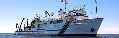 这艘180英尺长的RV Lake Guardian是EPA船队中最大的研究船,也是五大湖上最大的研究船。它的停泊能力为41人,其中包括14名船员和27名访问科学家。 (图片:EPA)