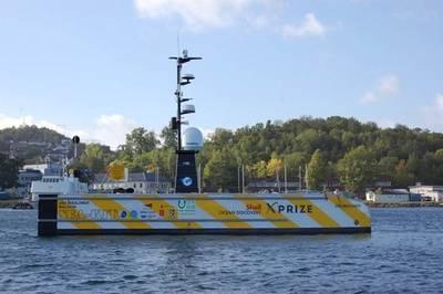Ein Beispiel für ein unbemanntes Schiff, SEA-KITs unbemanntes Oberflächenschiff USV Maxlimer Maldon, ist in der Lage, ein autonomes Unterwasserfahrzeug einzusetzen und wiederzugewinnen. SEA-KIT ist Finalist des Wettbewerbs Shell Ocean Discovery X-Prize (Foto: MCA)
