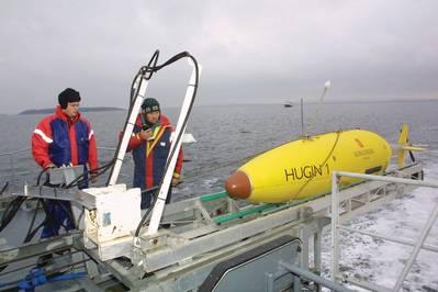 Ein Hugin AUV wird gestartet (Courtesy Kongsberg)