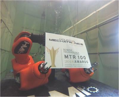 """Το MTR δεν παρουσιάζει βραβείο """"Creative Photo MTR100"""", αλλά εάν κάναμε το φετινό νικητή είναι η Χιούστον Μεχαρτρονική. Η εικόνα είναι η Aquanaut του Houston Mechatronic σε υγρό έλεγχο νωρίτερα φέτος κρατώντας το τρόπαιο MTR100 '. (Φωτογραφία: Χιούστον Μεχατρονική)"""