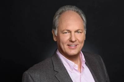 Sobre el autor: Jans Aasman es Ph.D. psicólogo, experto en Ciencia Cognitiva y CEO de Franz Inc., uno de los primeros innovadores en Inteligencia Artificial y proveedor de AllegroGraph, la principal base de datos de gráficos semánticos.