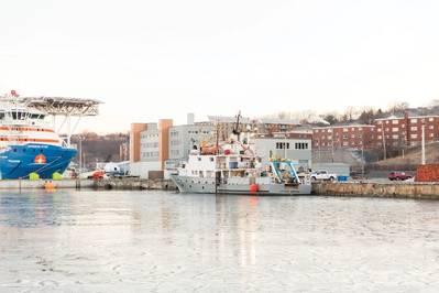 A odisseia de LeeWay em COVE em Dartmouth, Nova Escócia.
