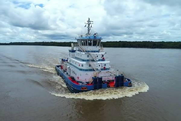 Δύο νέοι ρυμουλκά ώθησης της Robert Allan Ltd που λειτουργούν με το χέρι τώρα λειτουργούν κατά μήκος του συστήματος του ποταμού Αμαζονίου από τη Hidrovias do Brasil SA (Φωτογραφία: Robert Allan Ltd)
