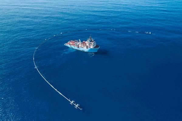 (Фото: Очистка океана)