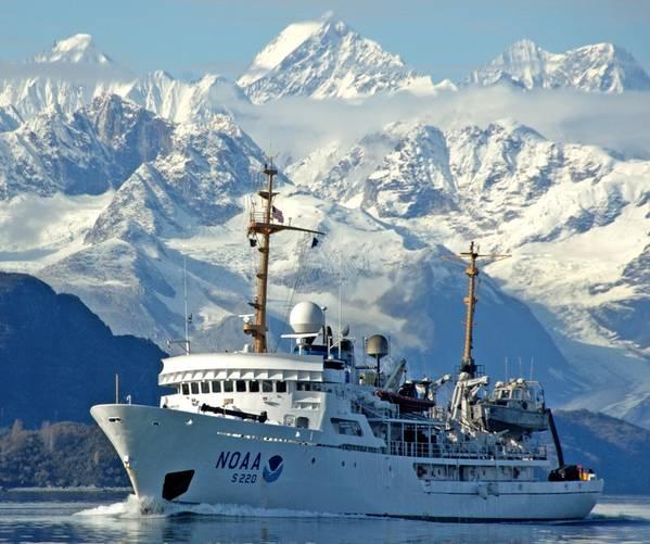 Foto del archivo: NOAA Ship Fairweather en marcha en Alaska (Foto: NOAA)