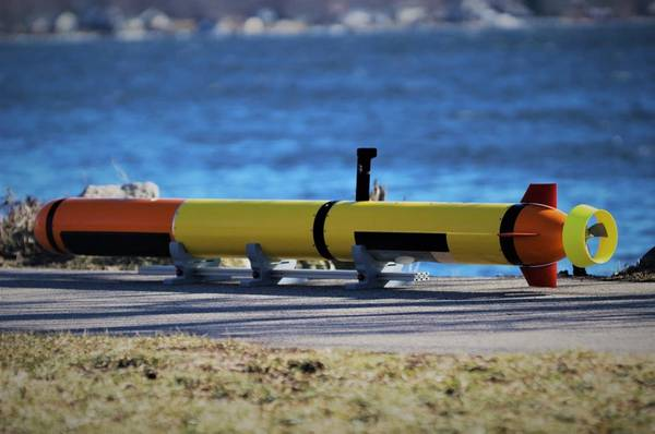 L3 OceanServer的Iver Precision Workhorse自主海底车辆配有低阻侧扫和水深测量传感器。照片由L3 OceanServer提供。