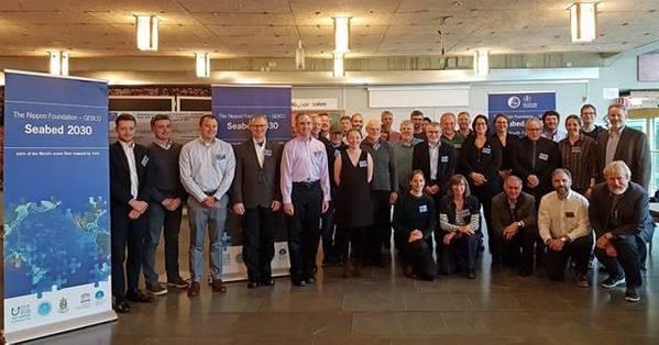 Participantes en la primera reunión de mapeo del Ártico, la Antártida y el Pacífico Norte para el Proyecto de la Fundación Nippon-GEBCO Lecho marino 2030, celebrada en la Universidad de Estocolmo, del 8 al 10 de octubre (Imagen: Fundación Nippon / GEBCO)