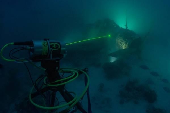 Proceso de recopilación de datos no táctiles en 3D de Depth SL3 con el avión devastador TBD-1 (Crédito: Air / Sea Heritage Foundation foto de Brett Seymour)