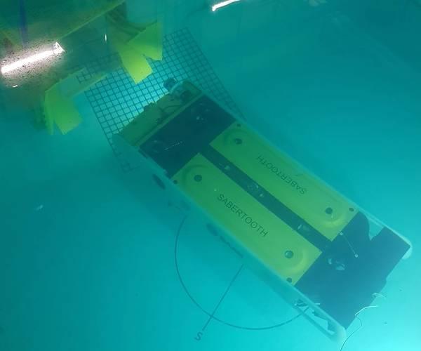 Saab Seaeye的Sabretooth在它的测试罐中(照片:Saab Seaeye)