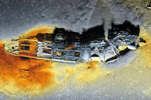 HISAS 1032 صورة Sonar الفتحة الاصطناعية من غرق السفينة التي تم جمعها من قبل نظام HUGIN AUV. (الصورة: كونجسبرج البحرية)